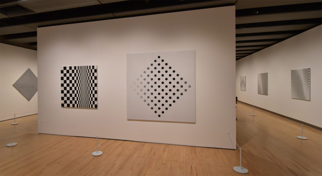 4/10 Black and White at the Bridget Riley Exhibition at the Hayward Gallery, November 2019