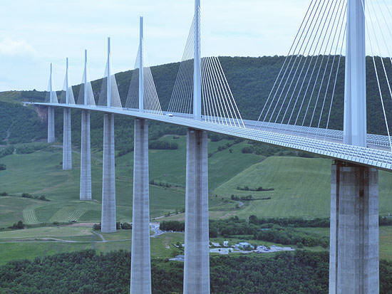 The vaiduct at Millau crossing the Tarn valley