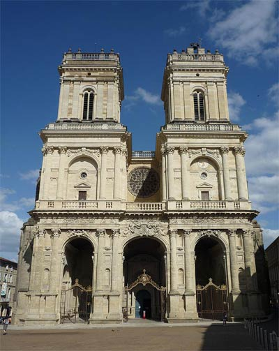 Auch Cathedral's west facade
