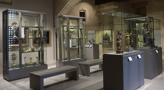 The display of ecclesiastical treasures