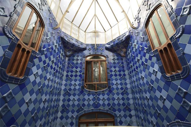 9/12 Casa Batlló's tiled atrium