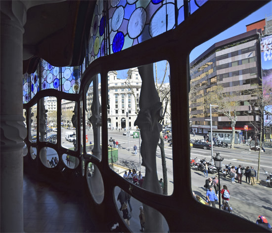 The windows of Casa Batlló's principal front salon