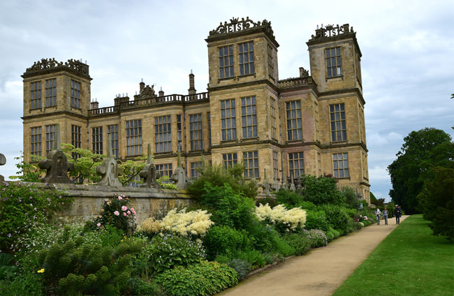 Hardwick Hall, more glass than wall