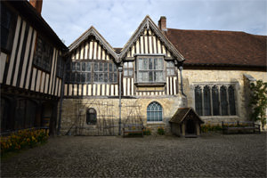 9/16 Ightham Mote's courtyard, looking east
