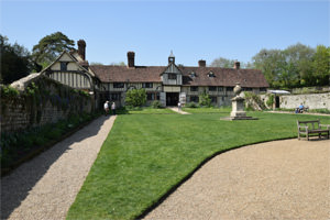 7/16 Ightham Mote's outer courtyard and cottages