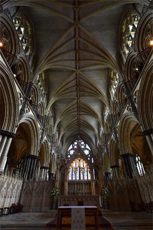18/28 Vaulting above St. Hugh's Choir