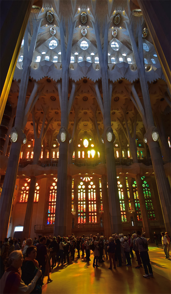 8/13 Hushed and humbled visitors to La Sagrada Familia