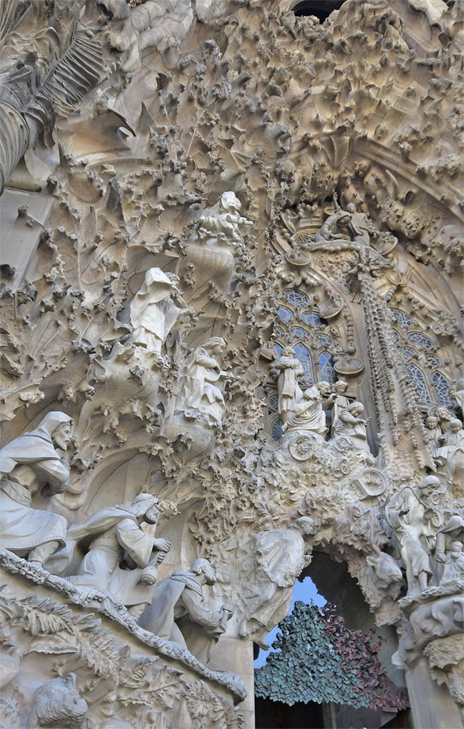 2/13 La Sagrada Familia - Nativity façade